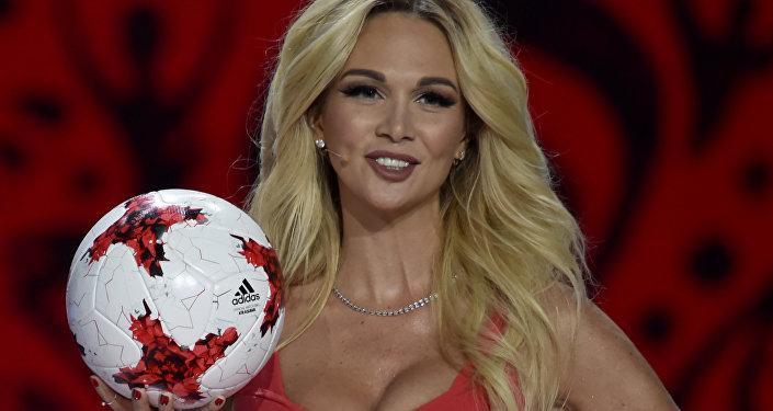 ملكة جمال روسيا  تجربة لا تنسى بالقاهرة وهرد الجميل فى كأس العالم
